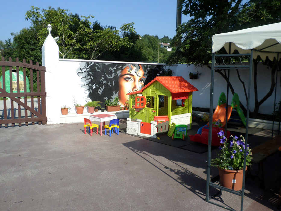 Terraza Parque Infantil Iruin Sagardotegia